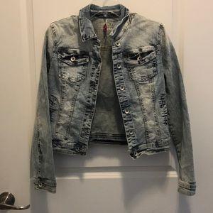 Jackets & Blazers - New Women's jean jacket